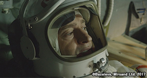 13SpaceWalker_tv201811.jpg